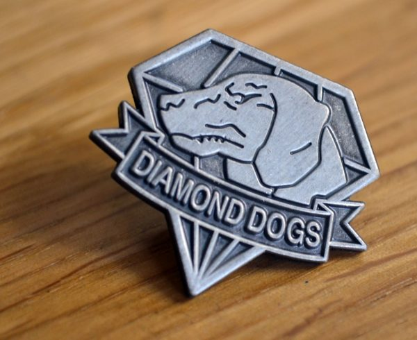 diamond_dogs_metal_gear_5_solid_big_boss_fox_hound_pin