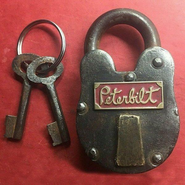 peterbilt_vintage_old_lock_cast_iron_1939