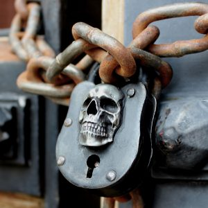 Skull Pirate Wicca Lock antique evil death